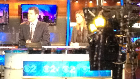 photo of CBS 2 Chicago news desk with Rob Johnson and Kate Sullivan